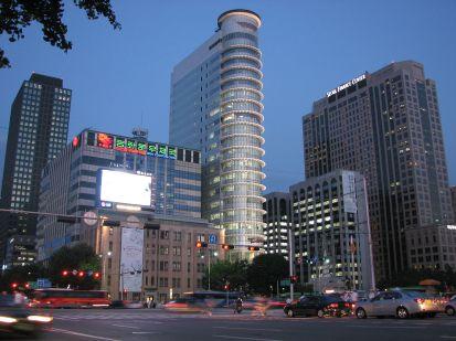 1280px-Korea-Seoul-Sejongno-01